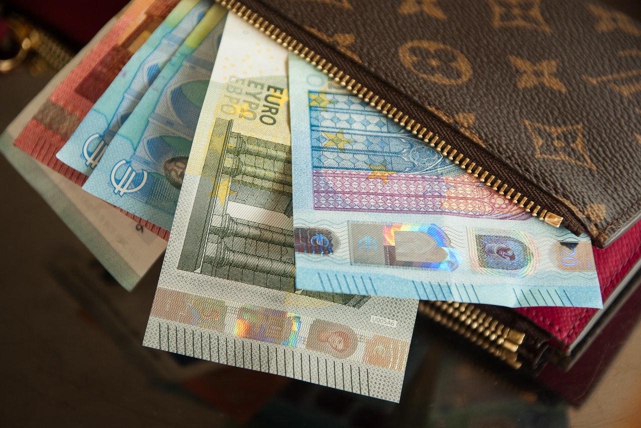 all currencies